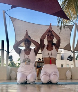 Yoga in mauritius with Patricia and Illonna Tschopp